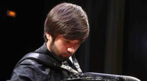 El acordeonista Nikola Tanaskovic. Foto: JJMM-Ciutadella.