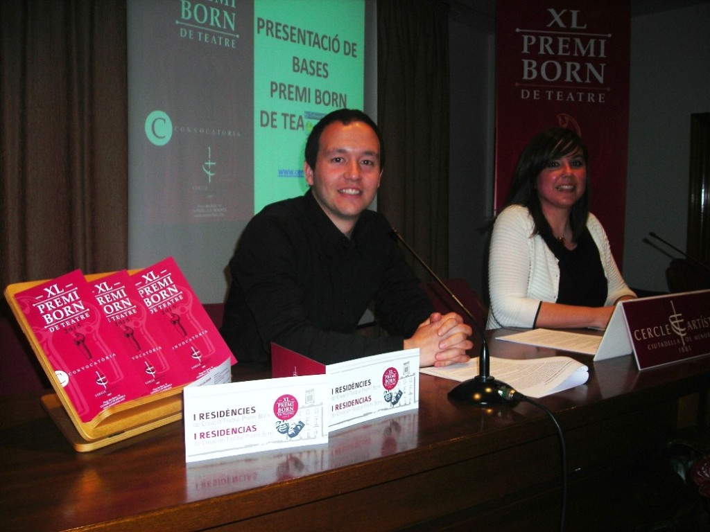 Rafel Pallicer, presidente del Cercle Artístic, y Laura Gorrias, secretaria del Premi Born.