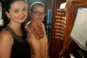 La pianista ucraniana Ulyana Popovych y la cantante menorquina Maria Camps.