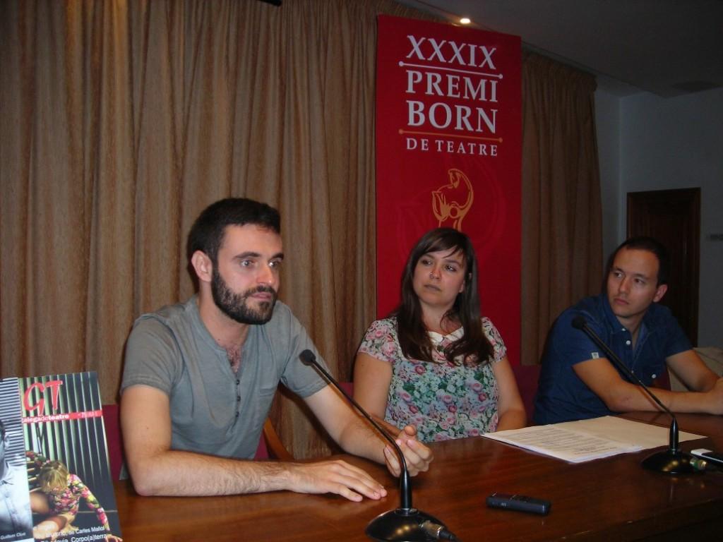 El ganador del Premi 2014 Xavi Morató, la secretaria del Premi Laura Gorrías y el presidente del Cercle Rafel Pallicer durante los actos del Premi Born 2014.