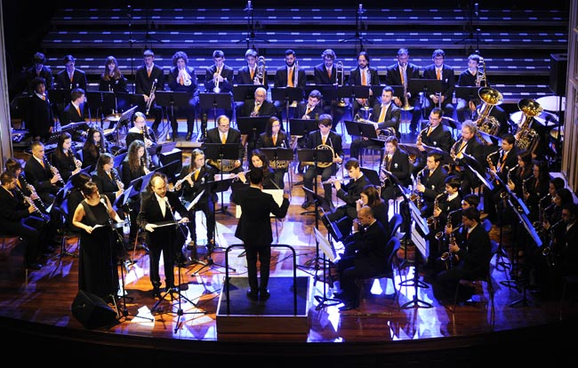 banda de musica des mercadalconcierto diada de baleares en el teatre principal