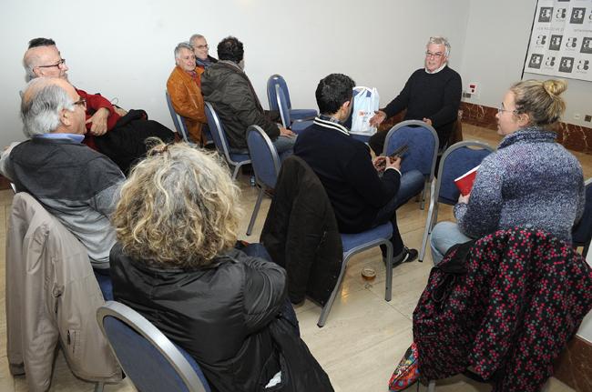 asamblea de ciutadans en el hotel capri de mao