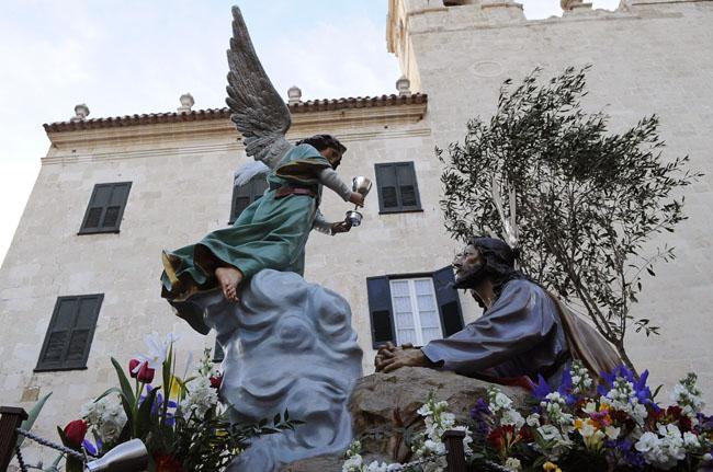 procesion del via crucis domingo de ramossemana santa