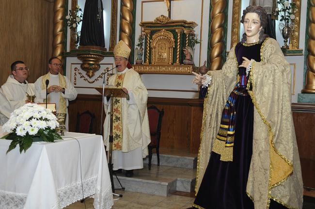 bendicion por parte del obispo del nuevo paso de maria magadalena de la cofradia de la sangre