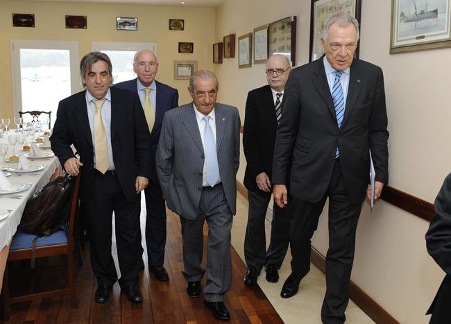 jose hidalgo presidente air europa alvaro middelmann y paco tutzo en el restaurantte la minerva de mao