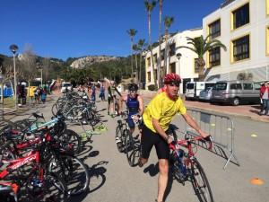 Participantes en la transición al sector de bici. FOTO.- Tolo Mercadal
