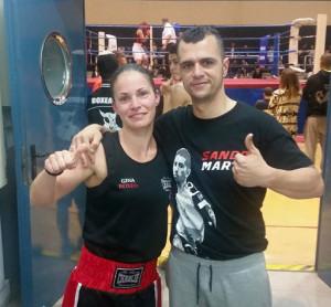 Jerónimo, con su técnico Alberto Moya antes del combate (Foto: K1 Box)