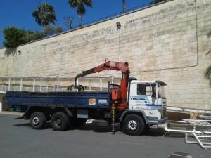 Fases de desmontaje de la pasarela (Fotos: Govern balear)