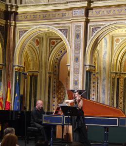 La violinista Lina Tur y Kenneth Weiss con el clavicémbalo.