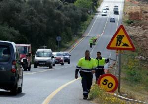 Obras esta mañana en el tramo entre Alaior y Maó (Fotos: Tolo Mercadal)