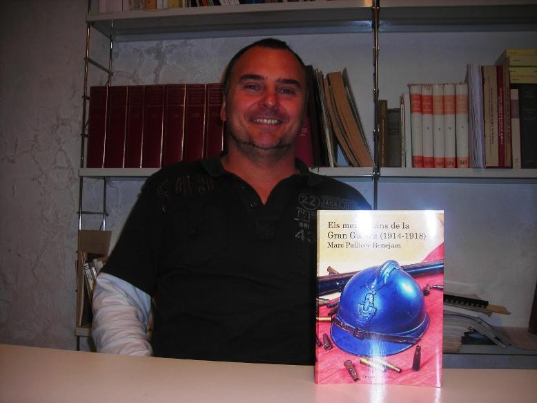 Marc Pallicer con su nuevo libro.