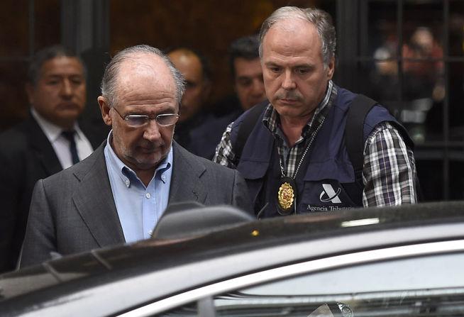 Rodrigo_Rato-Rodrigo_Rato_detenido-detencion-registro_vivienda-blanqueo_capitales-amnistia_fiscal-Agencia_Tributaria_MDSVID20150416_0146_43