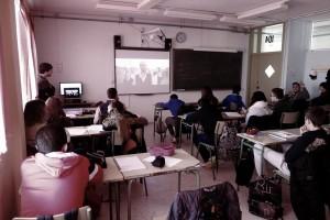 Uno de los talleres anteriores de Mèdit en los institutos. Foto: Mèdit.