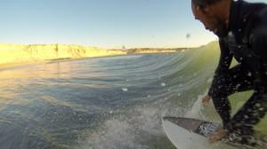 Acero, haciendo surf (Fotos: kepaacero.com)