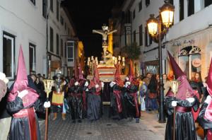 Imagen del Cristo Crucificado, en las calles del centro de la ciudad. FOTO.- Tolo Mercadal