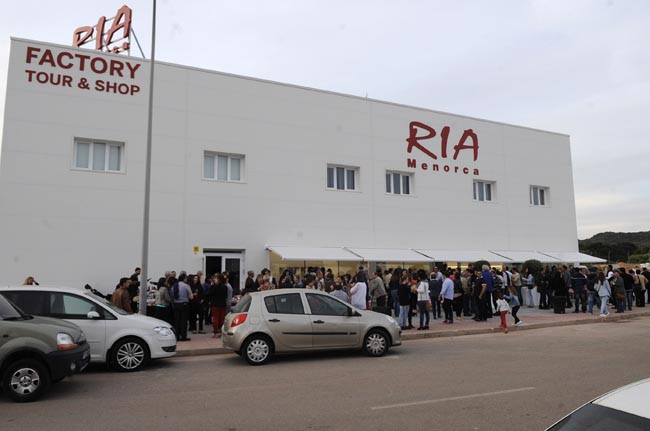 """fabrica de <a href=""""https://www.avarcas.com"""">avarcas</a> calzados ria"""
