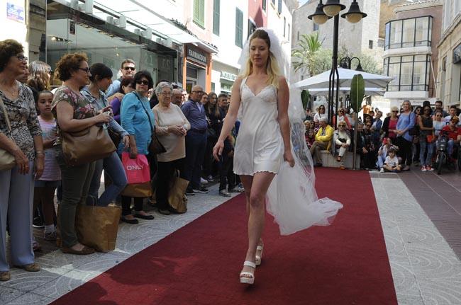desfile mo de moda en sarravaleta