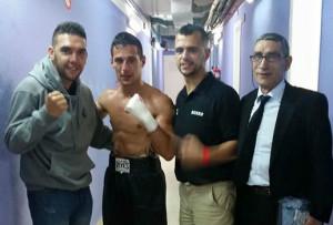 García, en dos imágenes captadas en Eivissa. En la otra fotografía, junto a Dani Martín y su entrenador Alberto Moya.