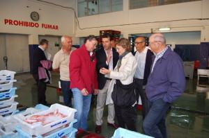 García Tejerina, junto el conseller Gabriel Company, en la lonja de Palma.
