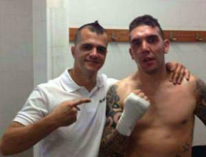 García, a la derecha, junto a su entrenador Alberto Moya.