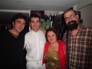 Toni Gener (derecha), junto a Salvador Oliva y Héctor Seoane y Apolònia Serra, director y actores respectivamente de 'Horrouxou'. Foto: T.G.F.