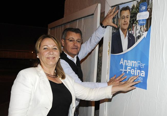 pegada de carteles elecciones municipales y autonomicas  2015