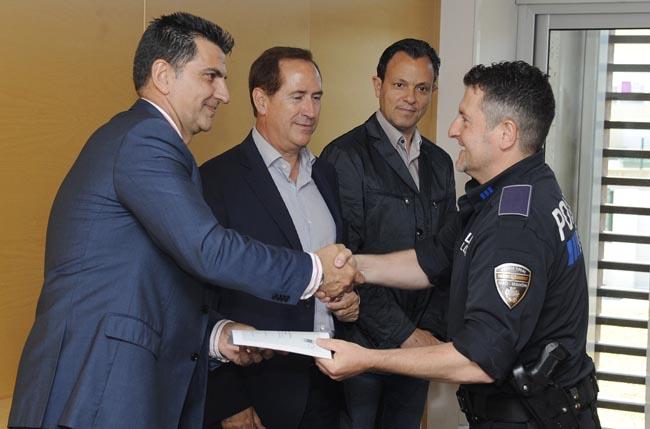 entrega diplomas curso subinspector de policia local