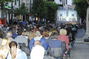 La Traviata en la calle tuvo un gran éxito de asistencia.