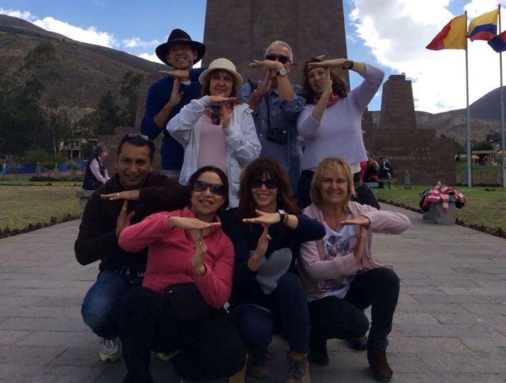 1 Marc Moll en Quito monumento la mitad del mundo - copia
