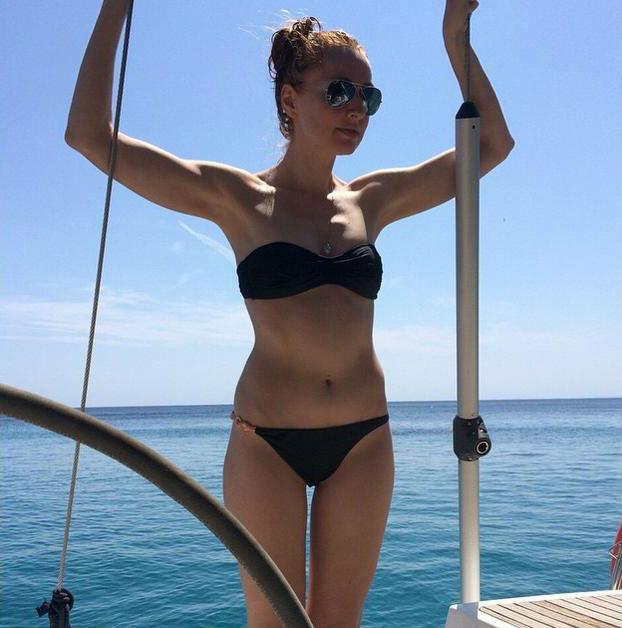 CastañoDe Vacaciones Cristina En Actriz La Menorca SGpjqLUzVM