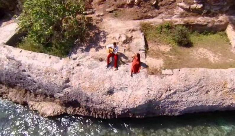 Fotograma del videoclip 'Ulls en blanc' de Marc Ribó.