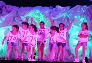 Alumnas de Cristina Blanco en un espectáculo anterior. Foto: Dansa Lô.
