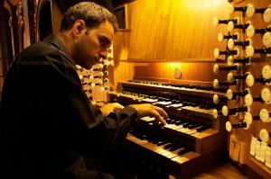 El organista Juan de la Rubia.
