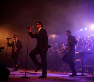 La Banda des Migjorn entusiasma con el homenaje a los Blues Brothers