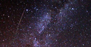 1024px-Perseid_meteor_and_Milky_Way_in_2009