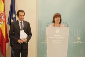 Pons junto con Armengol en una comparecencia ante los medios. FOTO.- Caib