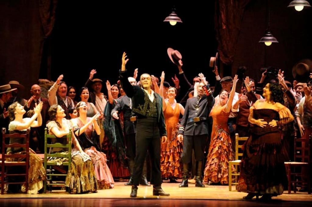 4Simón Orfila con 'Carmen' en el Principal