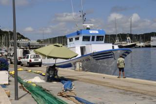 barca de pesca pito quintana en el puerto de mao