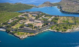 Imagen aérea del Lazareto del puerto de Maó-
