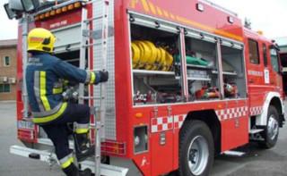 Dos dotaciones de bomberos han sofocado el incendio
