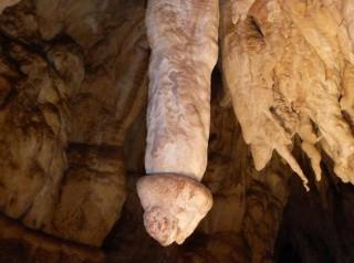 Caprichos fálicos de la Menorca subterránea. Foto José Muñoz Llopis. - copia
