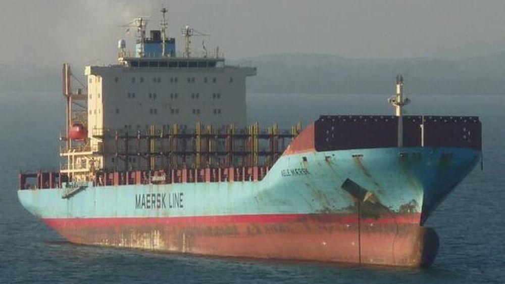 Nele-Maersk-imatge-twitter-valpilotboat_ARAIMA20150909_0131_6