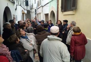 Turistas del IMSERSO en el centro de Maó (Foto: Tolo Mercadal)