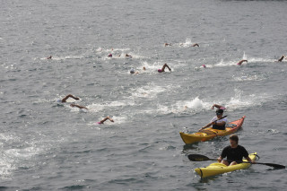 travesia a nado en el puerto de mao fiestas de gracia
