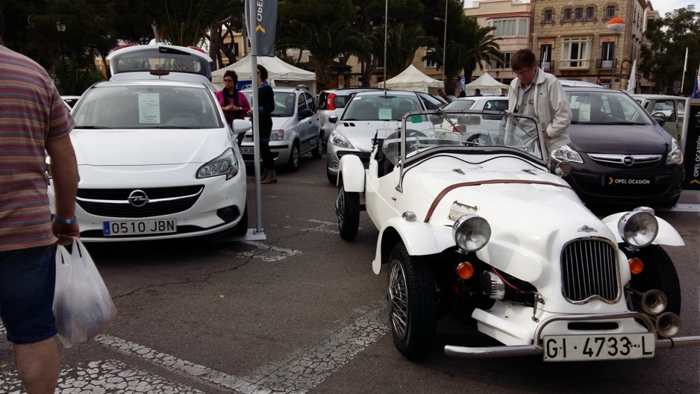 Participan 5 concesionarios y pueden verse unos 60 vehículos de ocasión.