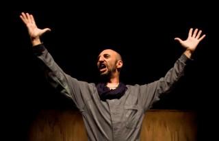 Toni Gomila es el autor y actor de 'Acorar'.