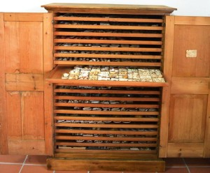 Uno de los armarios de 20 cajones. Foto: Museu de Menorca
