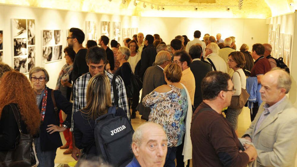 Momento de la inauguración de la muestra en Ca'n Oliver de Maó. Fotos: Tolo Mercadal.