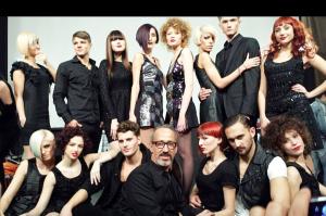 Carlos Vidal, con los modelos en Nueva York.