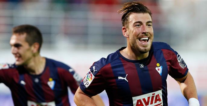 Sergi, celebrando uno de los dos goles.